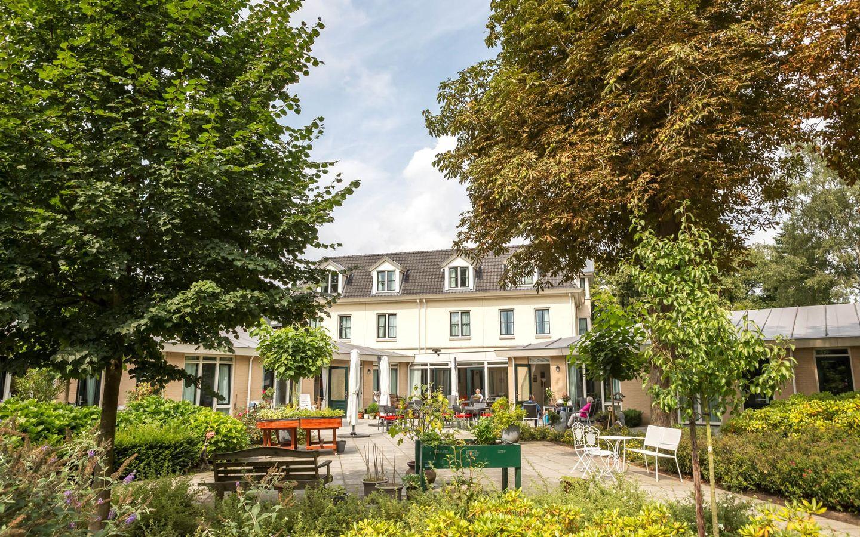 Villa Marijke Elisabeth vanaf de riante Tuin